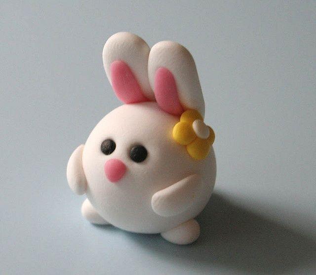 Нетрудная в работе фигурка зайца