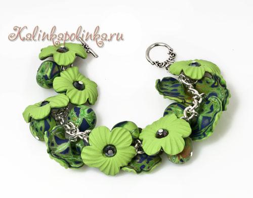 браслет на цепочке с зелеными цветами
