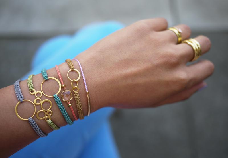 Как сделать красивый браслет на руку